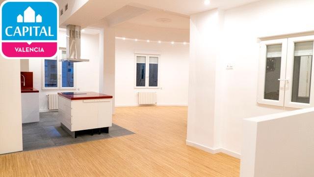 Piso en alquiler arrancapins valencia 110m2 2 habitaciones for Pisos 2 habitaciones valencia
